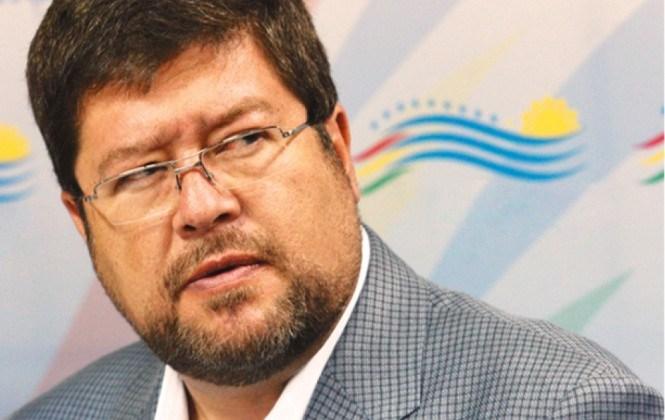Samuel asegura que el gobierno gastará Bs 100 millones en el referéndum