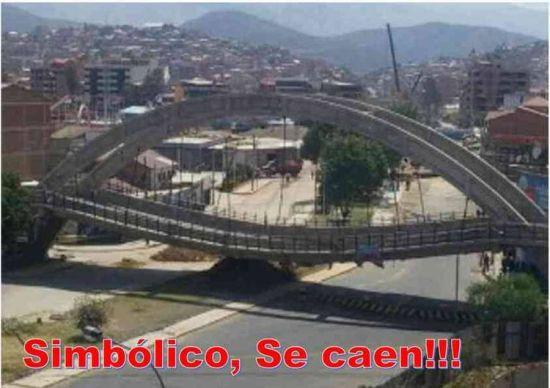 Memes publicados en redes sociales sobre el colapso del puente en Cochabamba