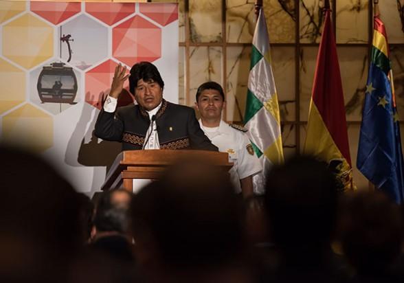 El presidente Evo Morales se dirige a empresarios internacionales reunidos el lunes pasado en Nueva York (Estados Unidos), en un seminario organizado por Financial Times por encargo del Gobierno de Bolivia. -   Abi Agencia