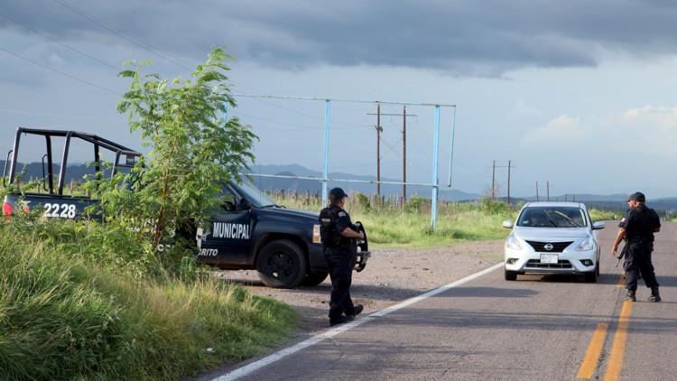 Un puesto de control policial en la autopista que lleva al municipio de Badiraguato, en el estado de Sinaloa.