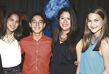 Yael Echeverría, Alejandro Ayala, Daniela Justiniano  y Francesca Antelo