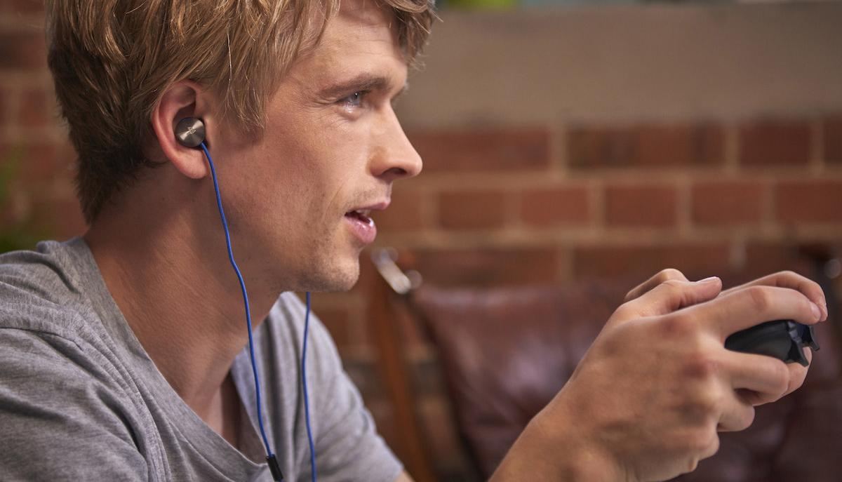 Sony presenta unos auriculares in-ear con cancelación de ruido para su PS4
