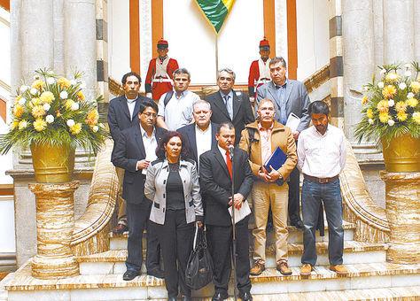 Palacio. Representantes del empresariado privado nacional tras reunirse con el Gobierno, el domingo.