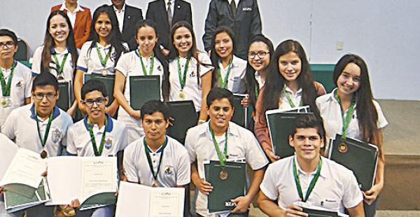 Ganadores de las Olimpiadas de Química Experimental