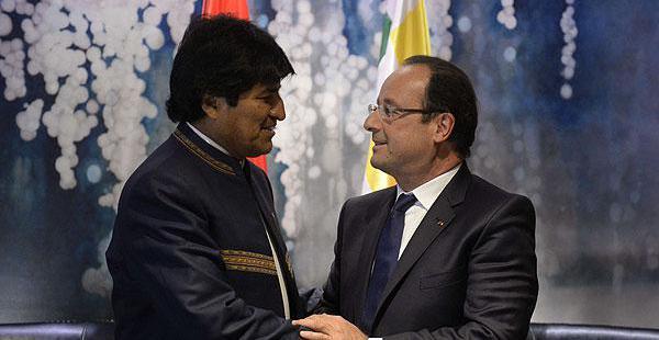 Evo Morales y François Hollande se reunieron en 2013 en Nueva York, ambos volverán a sostener un encuentro el próximo año.