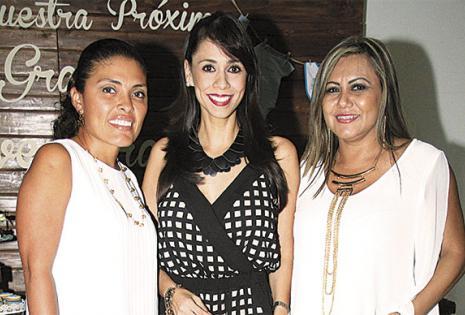 Éricka Castro, Moira Rueda y Zulma Chávez