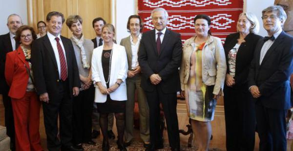 El canciller Heraldo Muñoz se reunió con la delegación del Parlamento Europeo y abordaron varios temas.