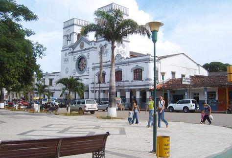 Una vista de la Catedral y la plaza principal de Trinidad