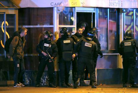Al menos 140 personas han muerto en los tiroteos y las tres explosiones en las inmediaciones del Estadio de Francia.1