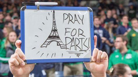 Mensajes contra atentados en París