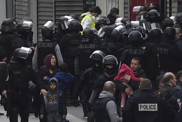 AFP PHOTO / LIONEL BONAVENTURE