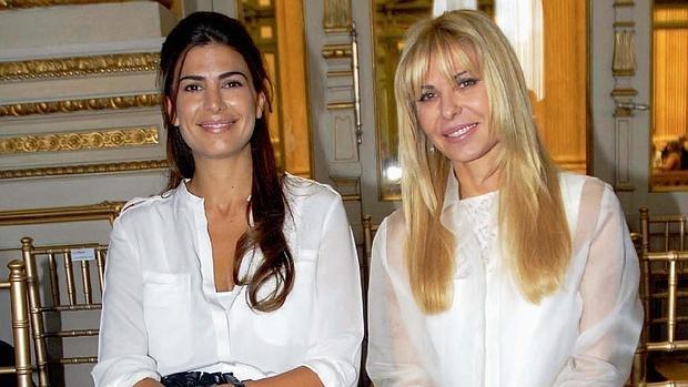 Juliana Awada y Karina Rabolini