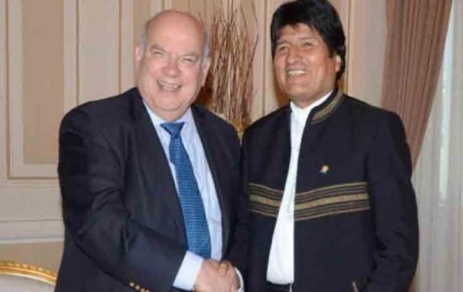 García dice que Insulza vive un dilema moral por hacer lo contrario a lo que definió en la OEA