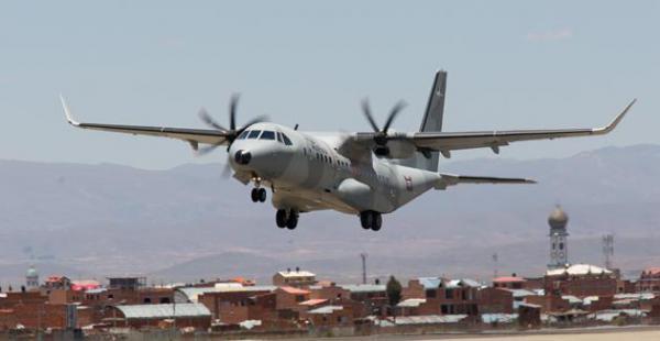 Airbus probó en varias pistas bolivianas una nave militar, como parte de una gira en la región donde se está probando este avión en situación extremas