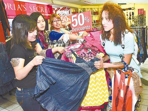 Prendas para varón y mujer tendrán descuentos del 40, 50 y 60% en Leyva's Fashion.