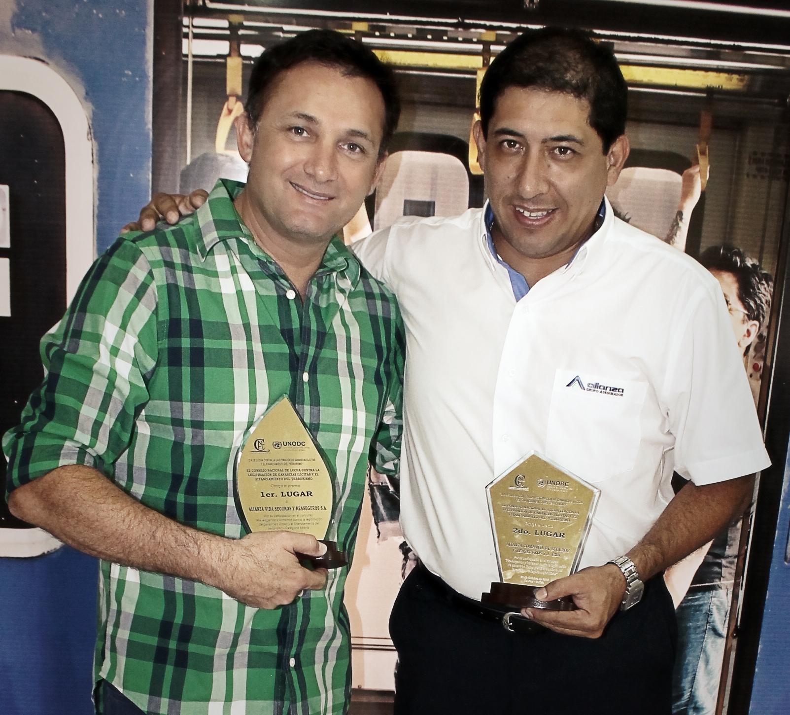 Fernando López, Dir. Ejecutivo de Lola Group y Carlos Quiroga, Jefe Nal. Corporativo de Marketing.