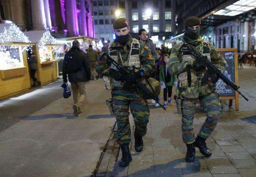 soldados-belgas-custodian.520.360