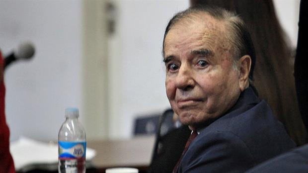 Condenaron a Carlos Menem a cuatro años y medio de prisión por el pago de sobresueldos