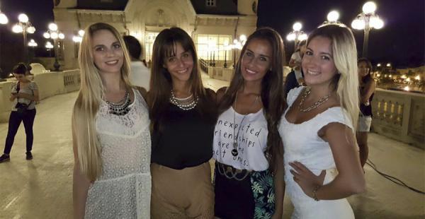 Hermosas mujeres porteñas participaron del clip