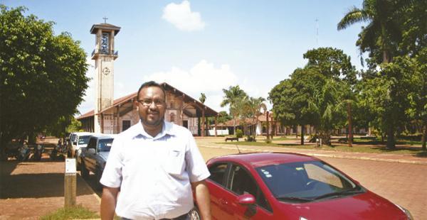 El ministro Claros en San Ignacio, donde asistió a reuniones con concejales y seguidores