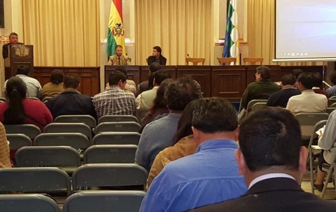 """UPRE financió """"Bolivia cambia"""" con Bs 1.500 millones para que Evo entregue obras en 2015"""