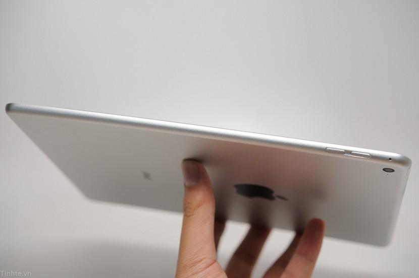 iPad Air 2 tinhte.vn 003 830x552 Nuevos rumores sobre el iPad Air 3: pantalla 4k y 4 GB de RAM