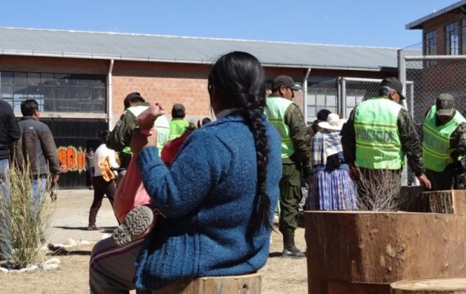 Las jóvenes de Qalauma sufren doble aislamiento por ser mujeres