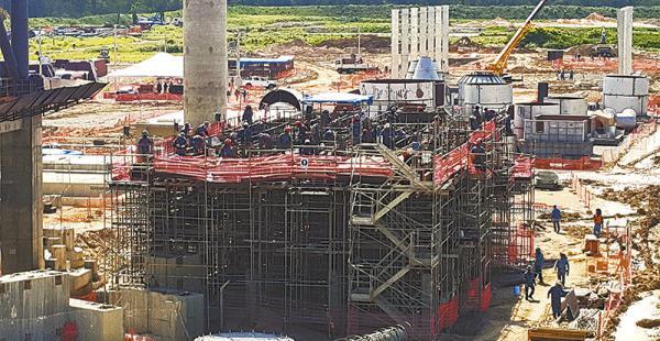 complejos cementeros  la industria del cemento se potencia con tres nuevos emprendimientos Un 'ejército' de             al menos 1.000 trabajadores apresuran las obras en la planta Yacuses de Itacamba