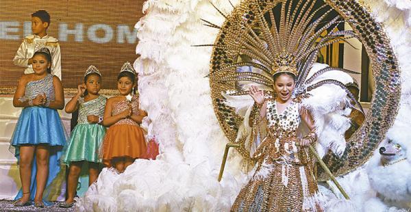 Isabela Hurtado, reina del Carnaval Infantil 2016, invitó a la población a asistir al corso este domingo