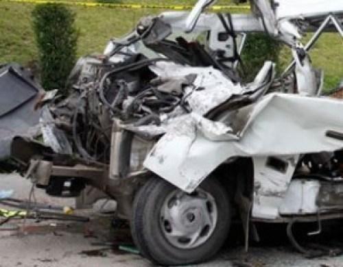 Reportan 9 fallecidos y 36 heridos tras vuelco de bus cerca de Challapata