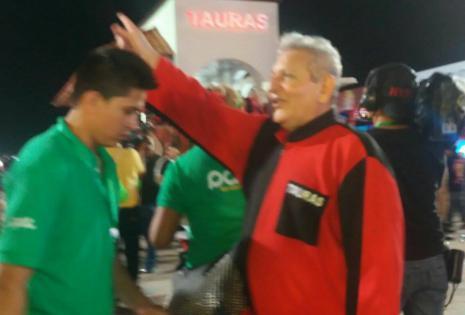 El gobernador Rubén Costas, integrante de la comparsa tradicional los Tauras