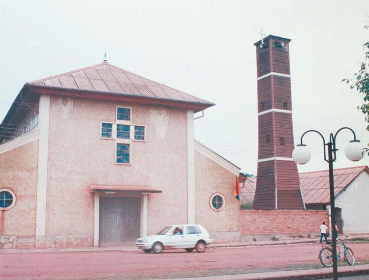 Frontera. El templo católico de la localidad cruceña de San Matías, ubicado en la plaza principal. Foto: La Razón-archivo