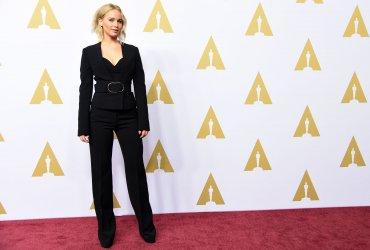 Jennifer Lawrence, siempre radiante, aunque alejada de la polémica por la falta de diversidad en los Oscars