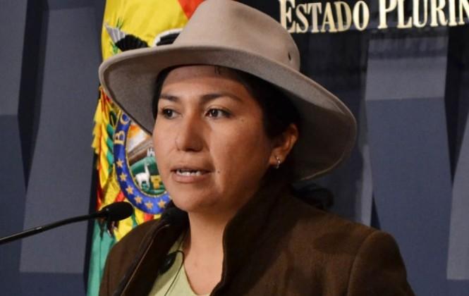 Ministra Paco cree que escándalo del caso Zapata no afectará los resultados del referéndum