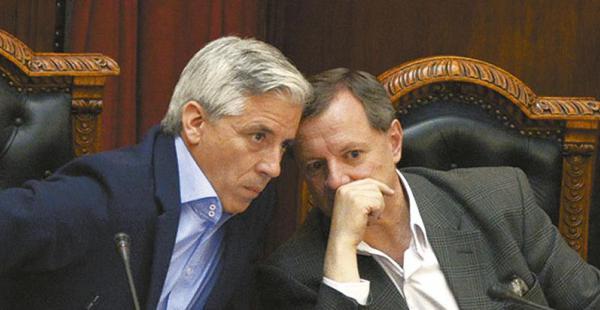 El presidente de la Asamblea Legislativa, Álvaro García Linera, recibió la instrucción de investigar el caso