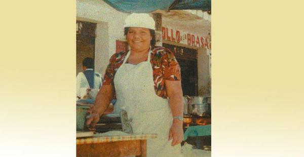 Mary Luz Villagómez Gutiérrez, empezó en la acera de la calle y hoy sigue firme