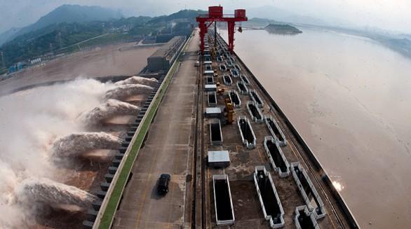 La represa Tres Gargantas de China, la más grande del mundo. En su construcción participaron Sinohydro, Gezhouba y otras 51 empresas pero no figura Camce. -   Afp Agencia