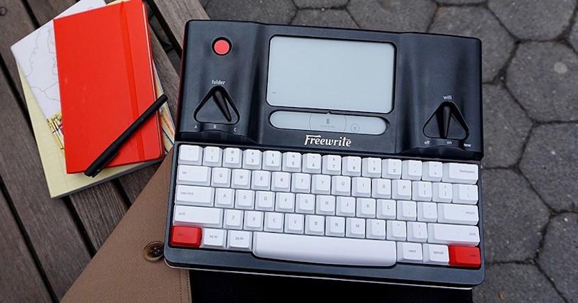 freewrite 800x420 830x436 Freewrite Smart Typewriter, la máquina de escribir del futuro