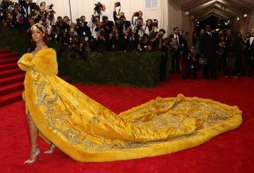 El espectacular vestido de Rihanna en la gala del Met del año pasado.