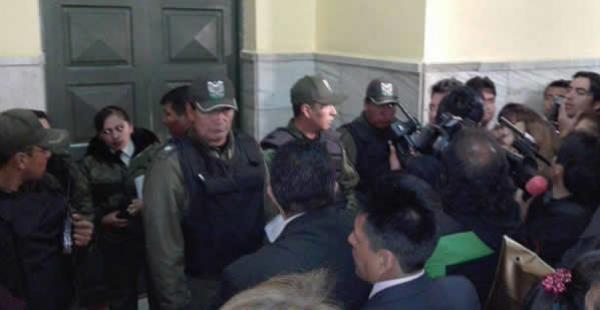 La audiencia se llevó adelante a puertas cerradas, por lo que se impidió el ingreso de medios de comunicación.