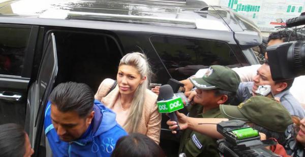 Gabriela Zapata fue conducida hasta dependencias de la Felcc en la zona Sur de La Paz