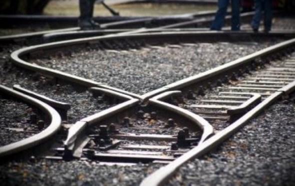 Gobierno se da dos semanas para reemplazar a CAMC y continuar obra ferroviaria