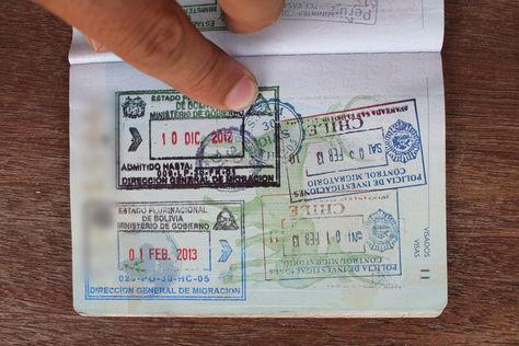 Los bolivianos pueden viajar a 72 países con pasaporte. Foto: Internet