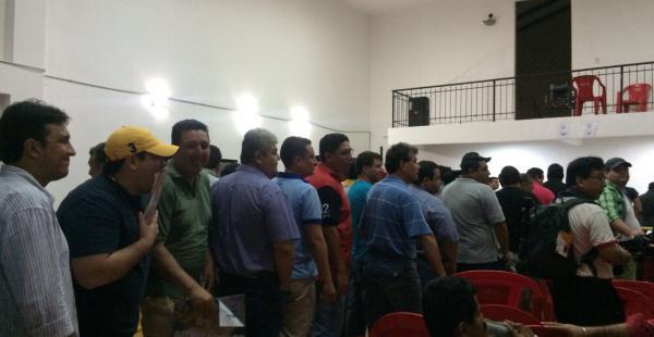 La interminable fila de los delegados de comparsas