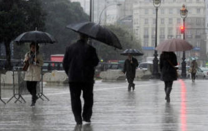 Senamhi dicta alerta roja por lluvias y tormentas en cuatro departamentos