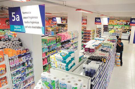 Negocio. Un pasillo del supermercado Ketal inaugurado en noviembre, en la zona de San Pedro. Foto: Eduardo Schwartzberg .