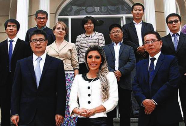 Jefes de CAMC que firmaron contratos no están en Bolivia