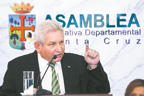 Santa Cruz. Rubén Costas pidió a Morales dejar de hacer campaña. Foto: Gobernación