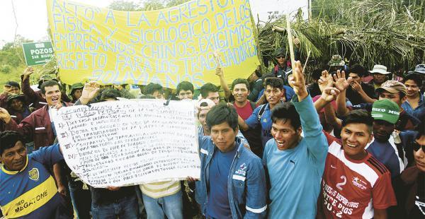 En noviembre de 2015, trabajadores bloquearon una obra de Sinohydro denunciando abuso laboral