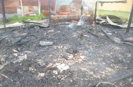 Incendio consumió cuartos de casa precaria en Satélite Norte